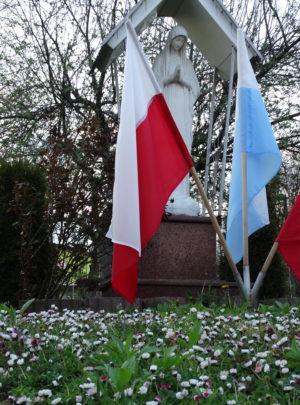 Zabezpieczony: Przedszkolaki wywiesiły flagę